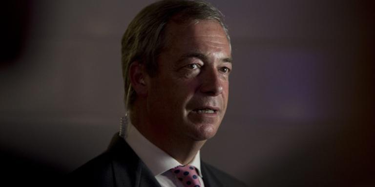 Farage 'schoffeert Cox' in triomfrede