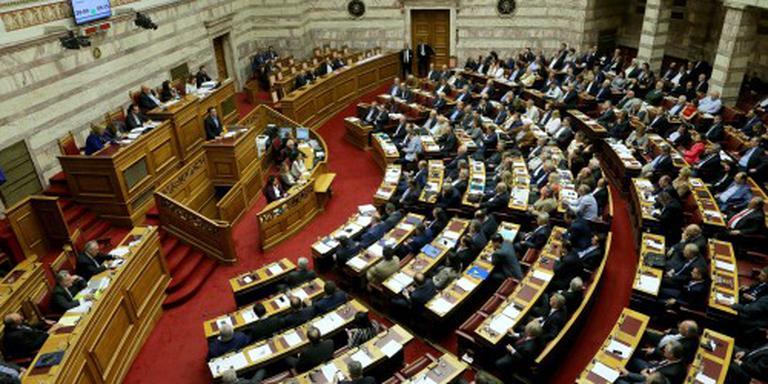 Griekenland stemt voor nieuwe bezuinigingen