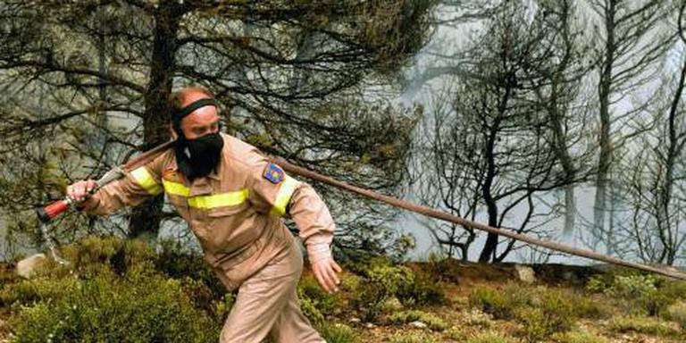 Natuurbrand verdrijft Griekse dorpelingen