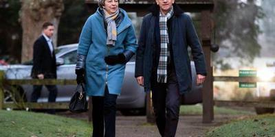 May voert crisisoverleg over brexit