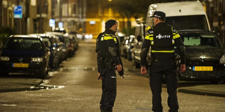 Politie neemt telefoons en munitie in beslag