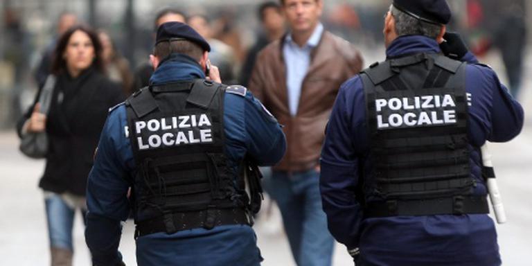 Verwarde man vernielt beelden in Rome