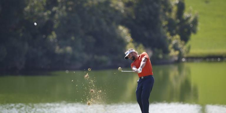 Golfer Luiten zakt naar vijfde plaats