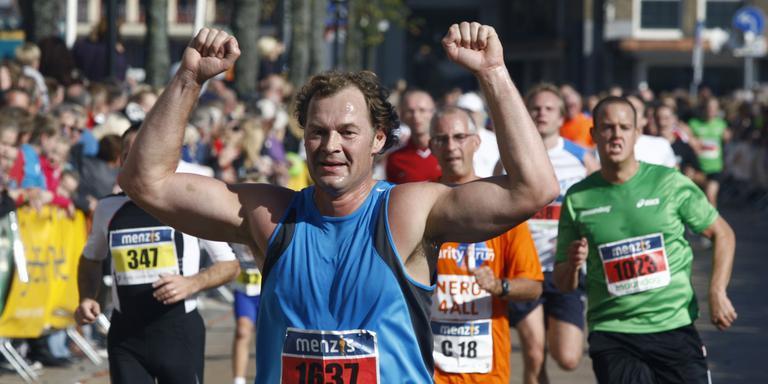 Zondag wordt de 4mijl van Haren naar Groningen weer gelopen door vele duizenden deelnemers. Foto: Archief DvhN/Hilbrand Dijkhuizen