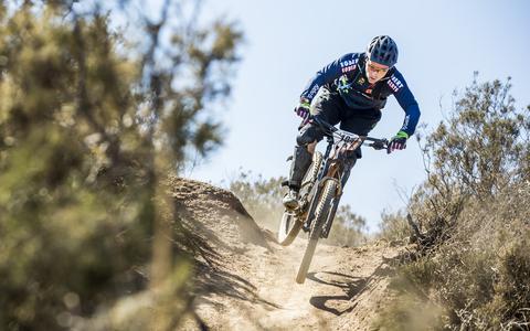 Jeroen de Geus uit Klazienaveen rijdt zwaarste mountainbikekoers ter wereld in Zuid-Afrika