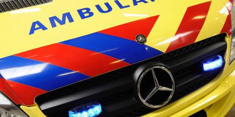 Vrouw gewond bij botsing met vangrail A28.