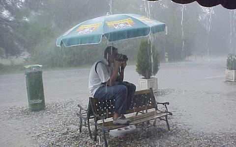 Wat een regen! Wordt dit één van de natste zomers ooit?