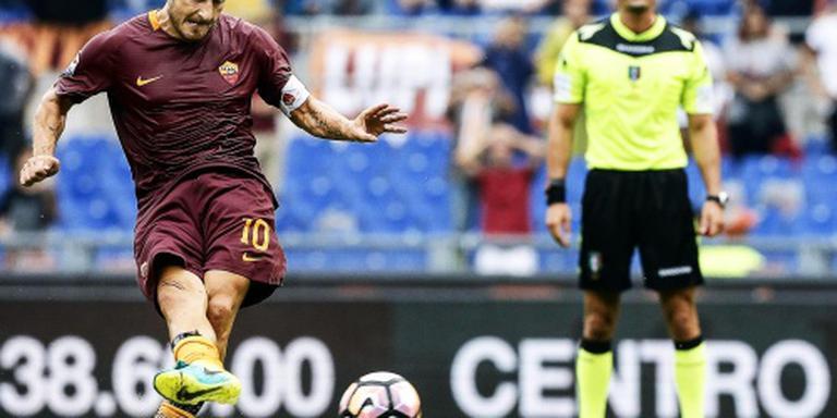 Totti helpt AS Roma aan drie punten