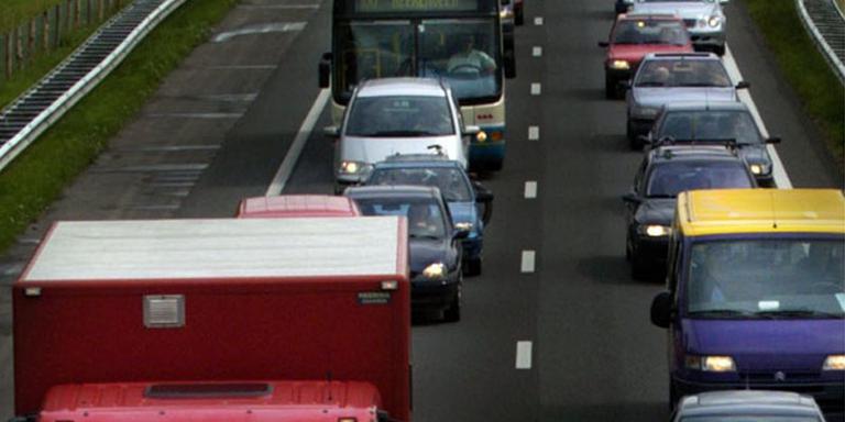 A28 bij Assen deels dicht door ongeluk.