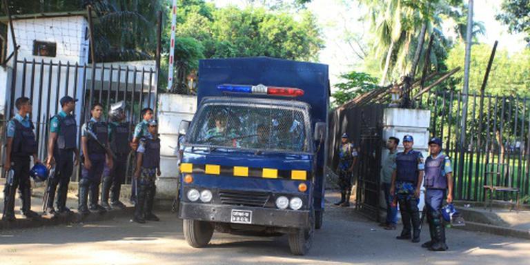 Bangladesh pakt 100 extremisten op