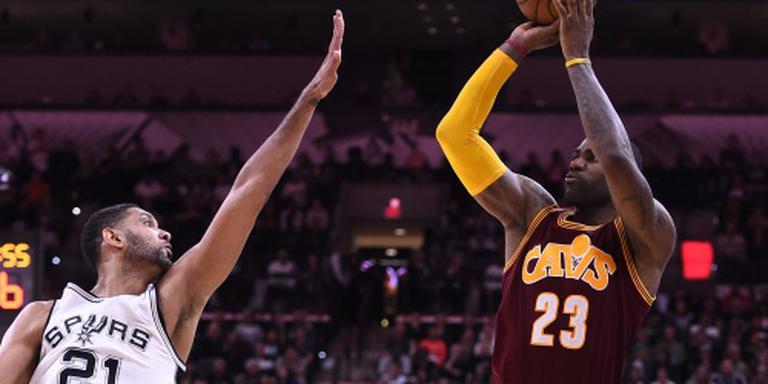 Spurs en Cavaliers al door in play-offs