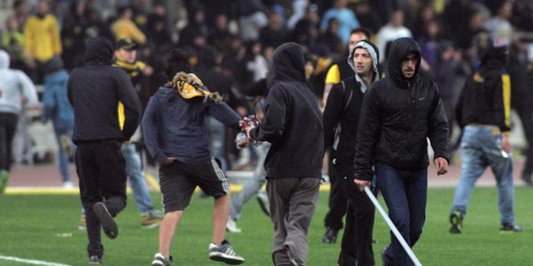 Puntenaftrek en boete AEK Athene