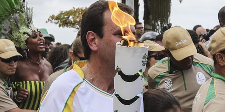 Rellen in Rio bij doorkomst olympische fakkel