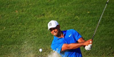 Woods met drie slagen voorsprong slotronde in