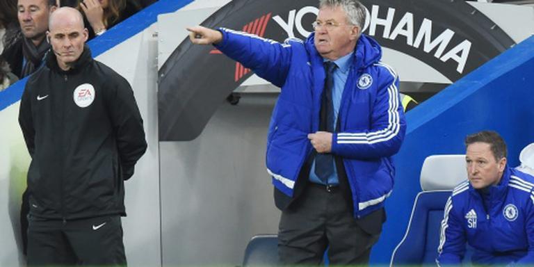 Chelsea wint niet bij rentree Hiddink