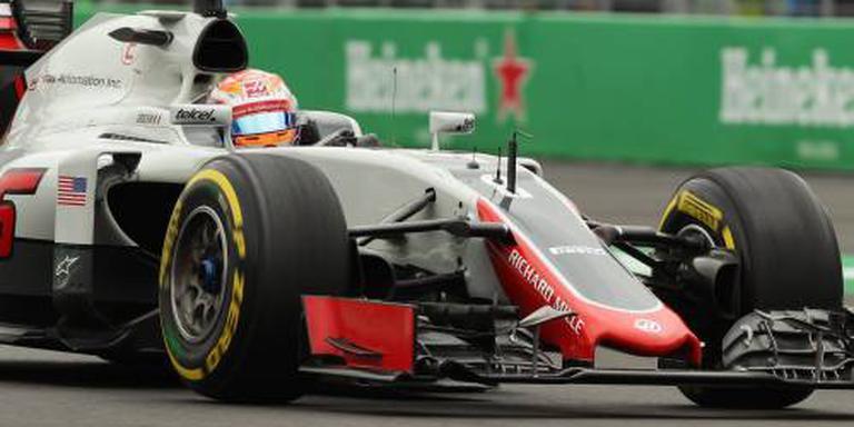 Grosjean crasht al vóór de race