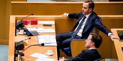 Premier Rutte en minister De Jonge tijdens het debat.