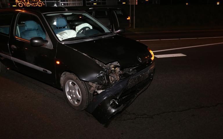 Gewonde bij aanrijding tussen twee autos in Borger.