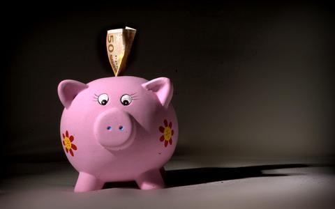 Niet op vakantie, horeca en winkels dicht: We hebben een record aan spaargeld op onze rekeningen staan