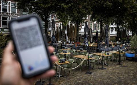CoronaCheck-app op een smartphone.
