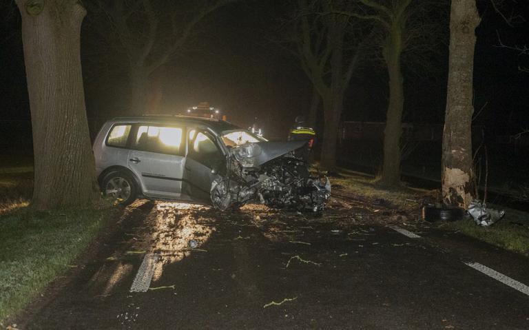 Ravage tussen Frieschepalen en Marum na ongeluk: bestuurder komt met schrik vrij.