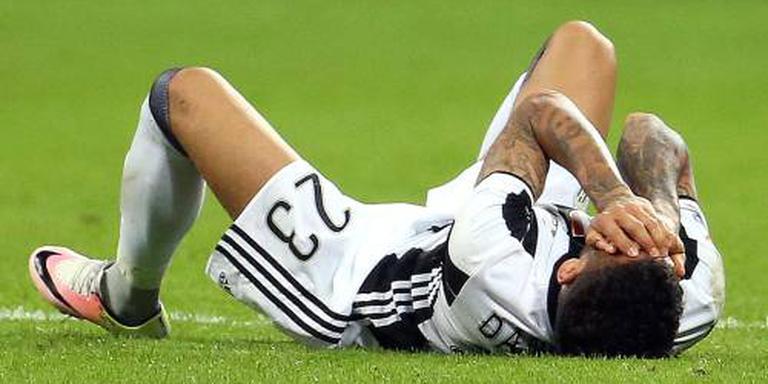 Dani Alves breekt linkerbeen