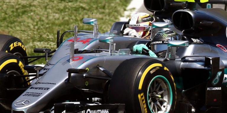 Mercedes zet Hamilton en Rosberg onder druk