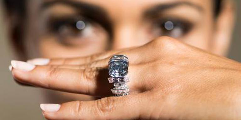 Roze diamant geveild voor 19,5 miljoen euro