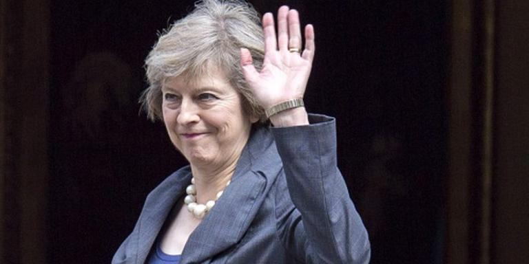 Veel vrouwen gaan May helpen bij brexit