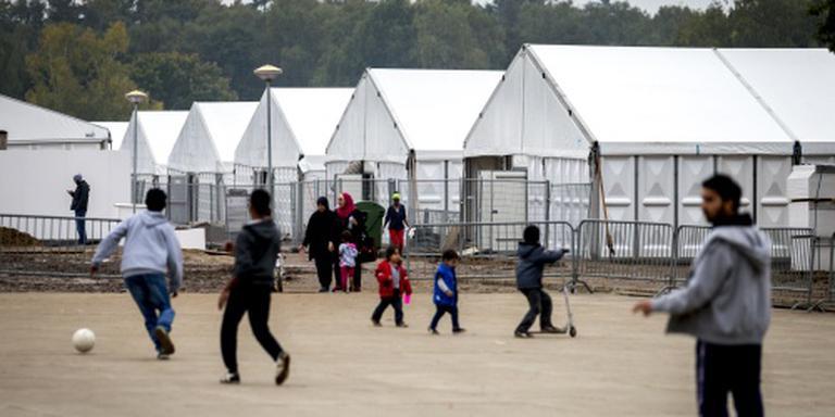 Asielzoekers: diefstal en schurft in kamp