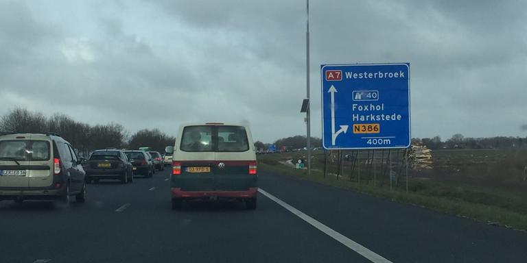 File op A7 door ongeval bij Westerbroek.