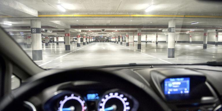 Auto-inbraak in garage vooral in de avonduren