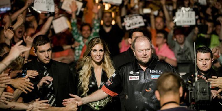 Van Gerwen wint dartskraker in vol Ahoy