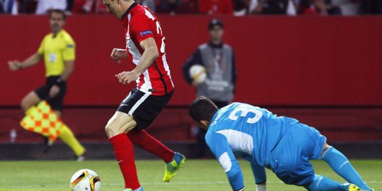 Sevilla behoudt kans op unieke hattrick