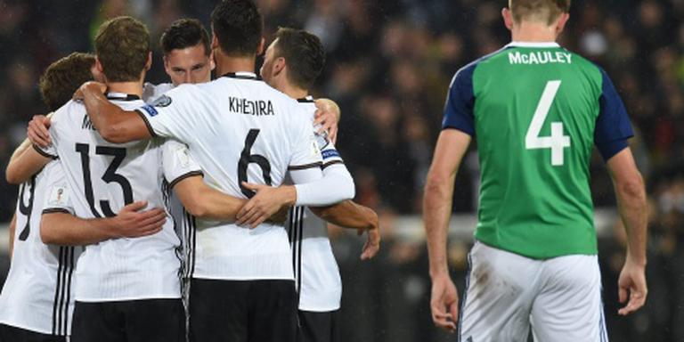 Duitsers op rozen in WK-kwalificatie