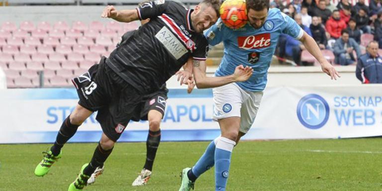 Napoli en Juventus winnen van laagvliegers