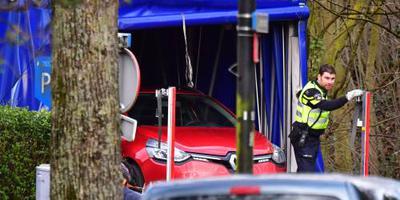 Auto leidt politie naar verdachte