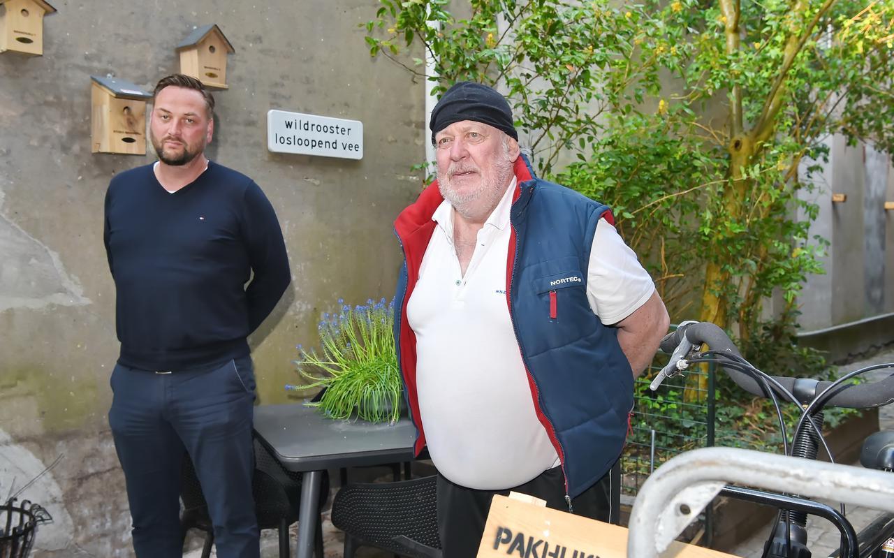 Harrie Harskamp (links) met zijn gast Henk.
