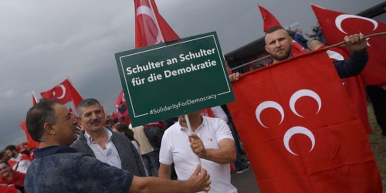 Betoging tegen Turkse coup gestart in Keulen