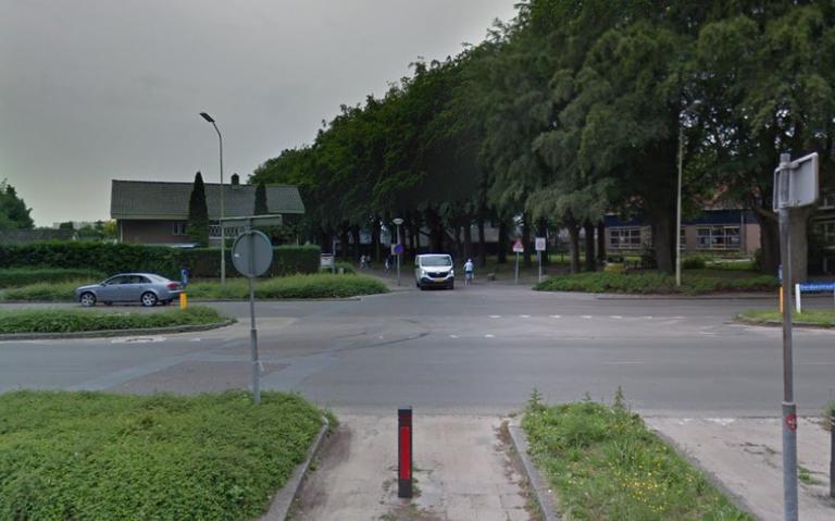 Botsing op kruising Dordsestraat-Bargermeerweg in Emmen: Kies andere route.