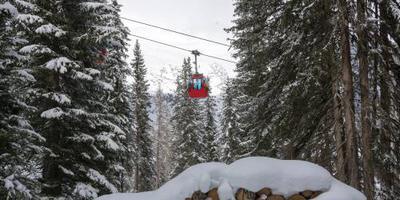 Nederlands meisje 'bekneld' in Franse skilift