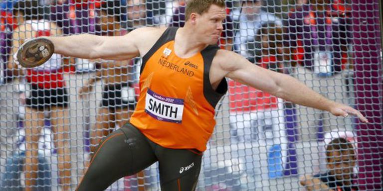 Smith nipt naar finale discus