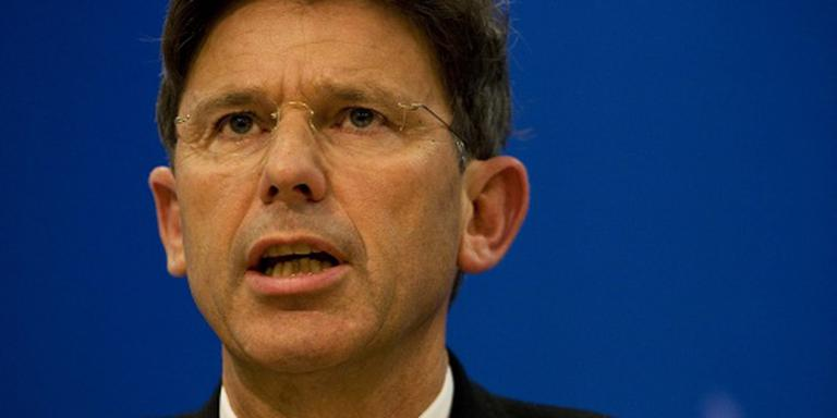 Minister over loon politietop: oude afspraken