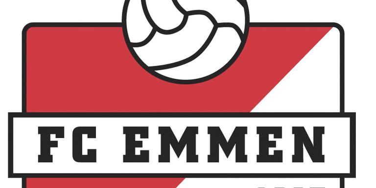 Spelers FC Emmen opgewacht door supporters