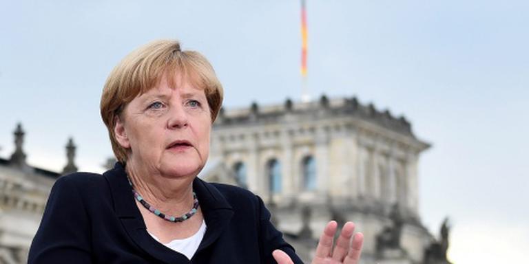 Merkel wil partijvoorzitter blijven