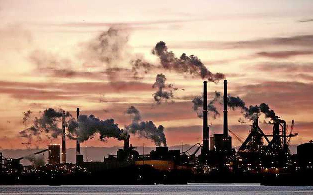 Het recht om CO 2 uit te mogen stoten wordt duurder, wat energieleveranciers doorberekenen in HUN energieprijzen.