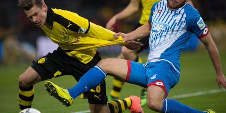 Dortmund vecht zich terug tegen tiental