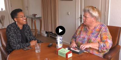Still uit de video over de ontmoeting van Nanoah Struik en Leonne Zeegers. Nu is Zeegers de enige Nederlander met een X in het paspoort, straks is Nanoah de tweede.