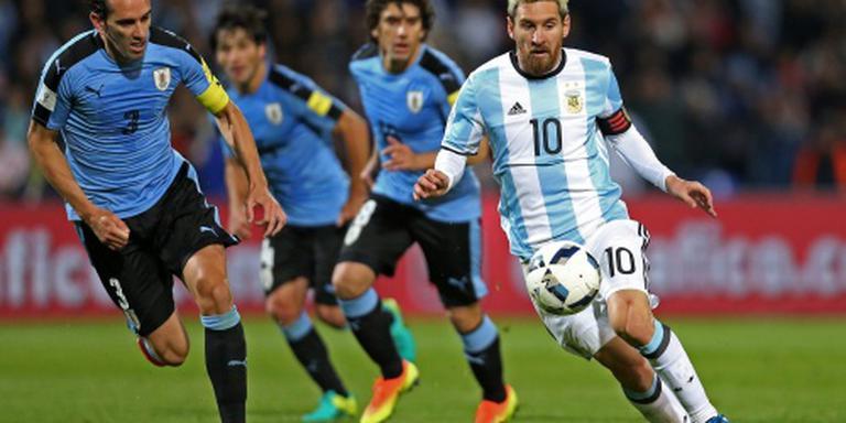Messi scoort bij wedstrijd tegen Uruguay