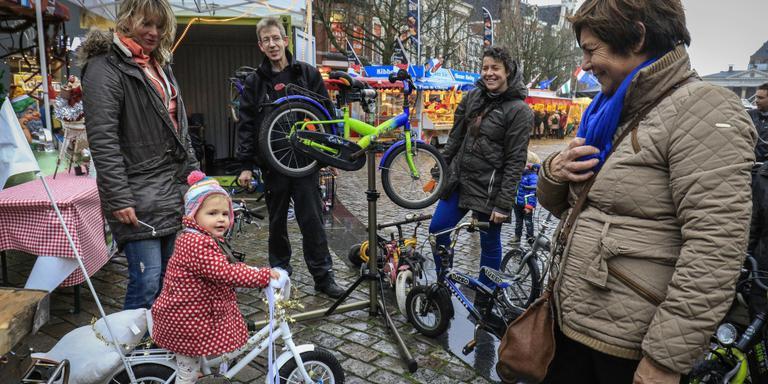 Actie in Stad levert 200 kinderfietsen op